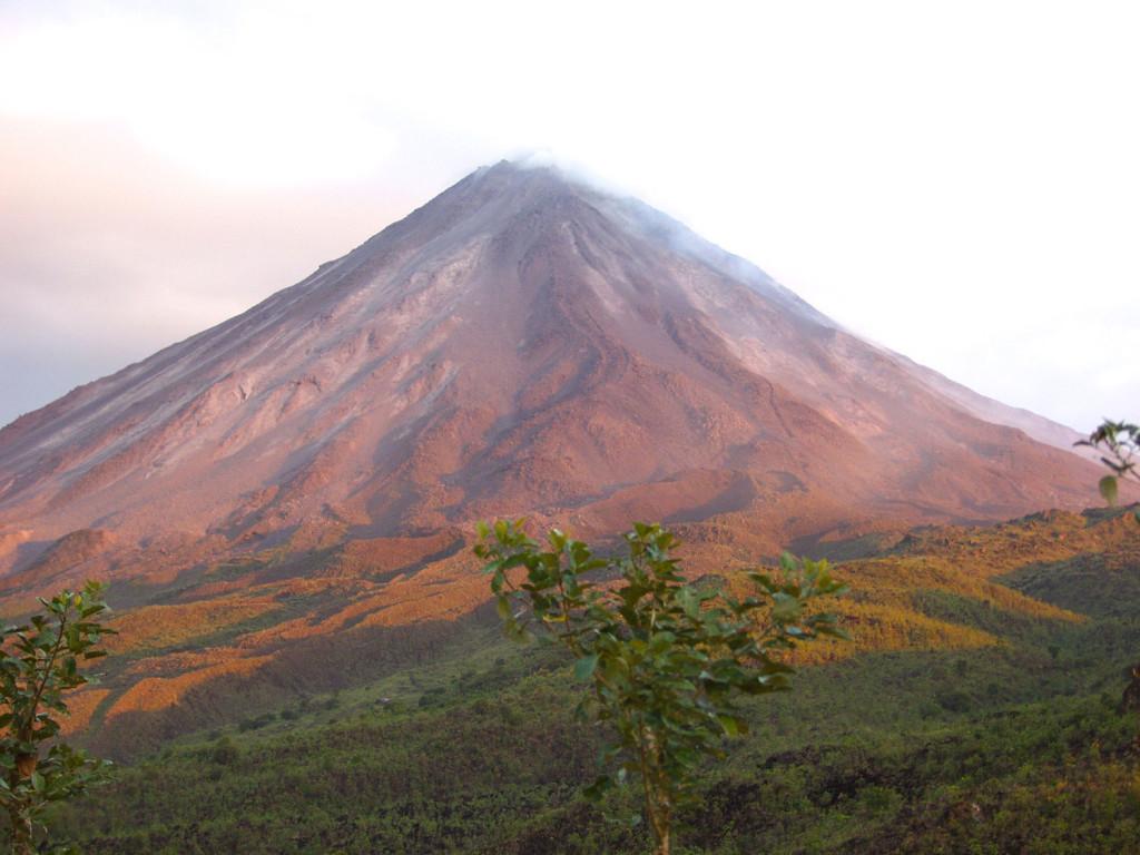 arenal-volcano-hike