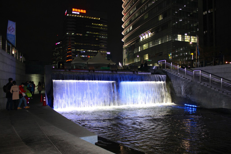 cheonggyecheon-stream-2