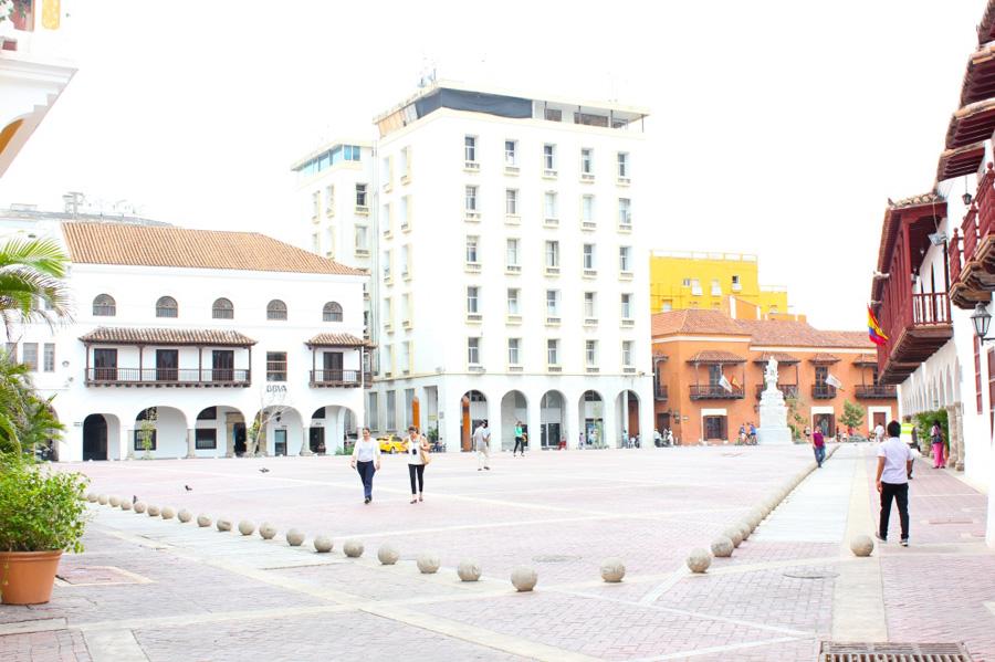 plaza-de-la-aduana-2