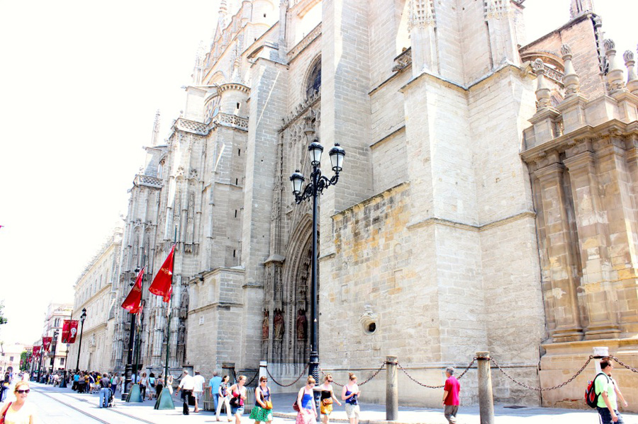 seville-cathedral-1